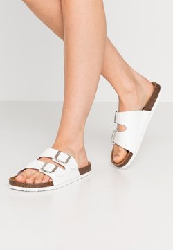 Rubi Shoes by Cotton On - REX DOUBLE BUCKLE SLIDE VEGAN - Chaussons - white