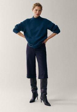 Massimo Dutti - MIT STEHKRAGEN - Sweter - blue