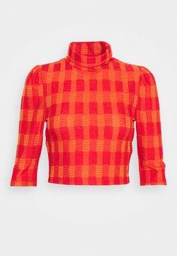 Glamorous - HIGH NECK CROP - T-shirt imprimé - red/orange