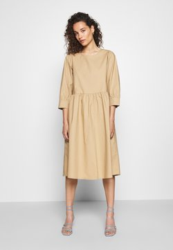 Moss Copenhagen - MINORA 3/4 DRESS - Vapaa-ajan mekko - travetine