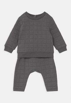 Cotton On - SCOUT & RORY QUILTED SET - Tracksuit - rabbit grey