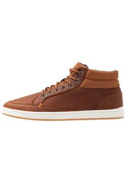 HUB - INDUSTRY - Sneaker high - cognac/offwhite