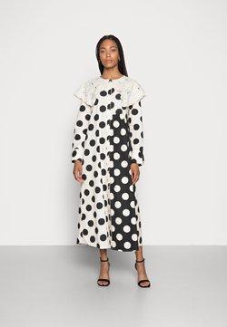 Love Copenhagen - DOTANA DRESS - Sukienka koszulowa - black white dot
