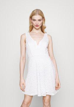 WAL G. - AIMON SKATER DRESS - Vapaa-ajan mekko - white