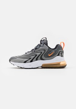 Nike Sportswear - AIR MAX 270 REACT - Sneakersy niskie - iron grey/total orange/particle grey/black