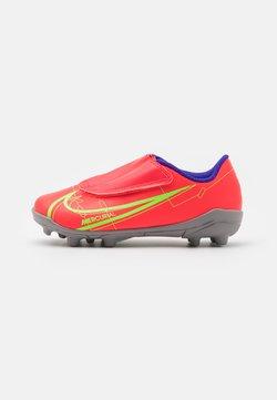 Nike Performance - MERCURIAL JR VAPOR 14 CLUB MG UNISEX - Voetbalschoenen met kunststof noppen - bright crimson/metallic silver