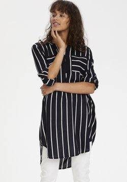 Kaffe - KABABARA SHIRT DRESS - Vestido camisero - black / chalk stripe