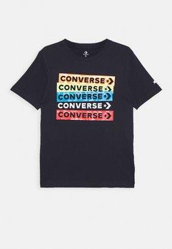 Converse - COLOURBLOCKED LOGO TEE - Printtipaita - obsidian/blue