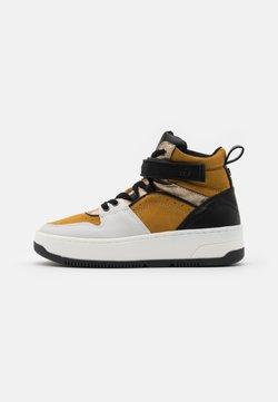 s.Oliver - Sneakers hoog - saffron