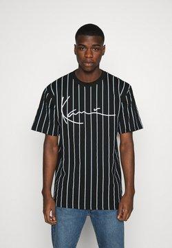 Karl Kani - SIGNATURE PINSTRIPE TEE - T-shirt con stampa - black