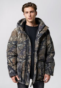Tigha - KENNETH - Winterjacke - forest green/camo