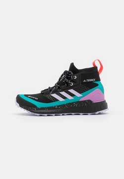 adidas Performance - TERREX FREE HIKER GORE-TEX - Outdoorschoenen - core black/purple tint/signal pink