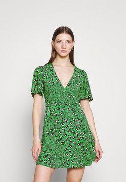 Topshop - FLORAL BUTTON WRAP TEA DRESS - Freizeitkleid - green