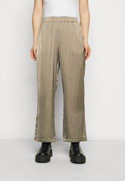 Vero Moda Petite - VMNATALIA PANTS - Trousers - bungee cord