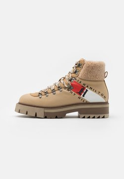 Tommy Hilfiger - CHUNKY BOOT - Schnürstiefelette - horseradish