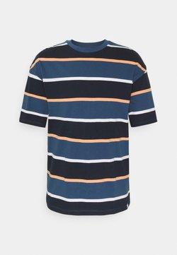 Jack & Jones - JORPALISADES STRIPE TEE CREW NECK - T-Shirt print - ensign blue