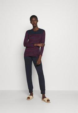 Schiesser - LANGER SCHLAFANZUG SET - Pyjama - blau/rot