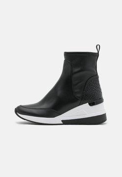 MICHAEL Michael Kors - KINSEY - Höga sneakers - black