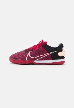 Nike Performance - REACTGATO  - Fußballschuh Halle - cardinal red/crimson tint/black/white