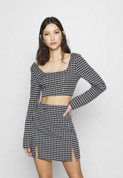 Missguided - ZIP UP BACK DOGTOOTH BRALET AND SLIT FRONT MINI SKIRT - Minihame - black