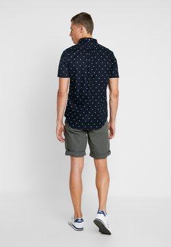 Marc O'Polo - Shorts - mangrove