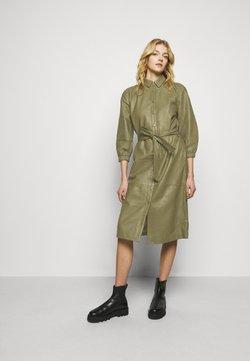 Bruuns Bazaar - PETRAH ZIA DRESS - Blousejurk - deep olive