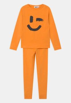 Molo - LOV UNISEX - Pyjama - sunset orange