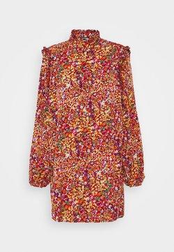 Missguided - FRILL SHOULDER BUTTON THROUGH DRESS - Robe d'été - red