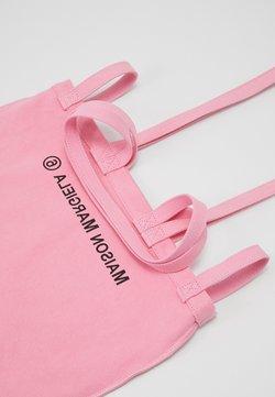 MM6 Maison Margiela - Shoppingväska - pink