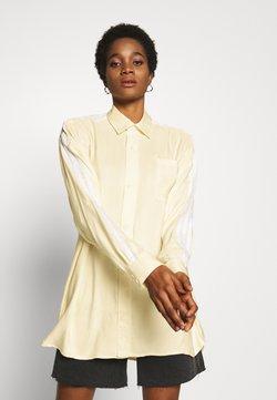 adidas Originals - BUTTON UP - Camisa - easy yellow