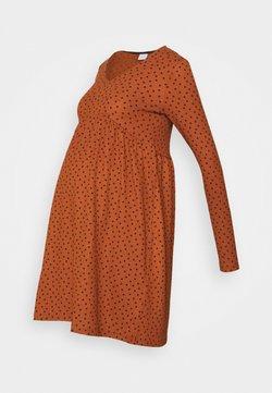 MAMALICIOUS - MLNILLE DRESS - Jerseykleid - glazed ginger/black dots