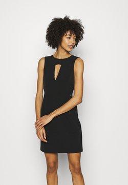 Guess - PATTI DRESS - Vestido de tubo - jet black