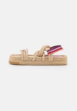 KARL LAGERFELD - RAPALLA  - Korkeakorkoiset sandaalit - beige