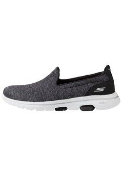 Skechers Performance - GO WALK 5 - Zapatillas para caminar - black/white