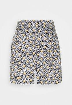 Marks & Spencer London - TILE PRINT - Shorts - black