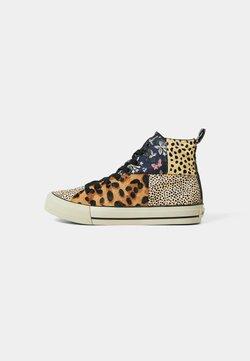 Desigual - Höga sneakers - brown