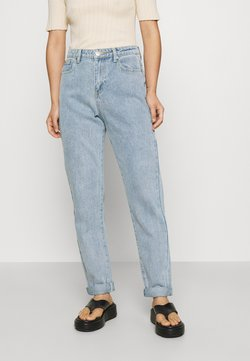 Glamorous Petite - LEAH MOM - Relaxed fit jeans - light blue wash