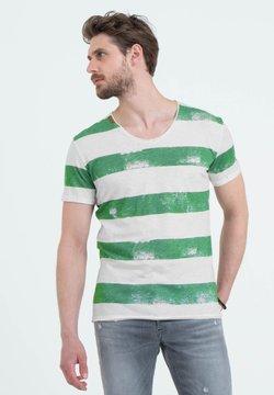 Key Largo - MT AIRFLIGHT - T-Shirt print - offwhite-green