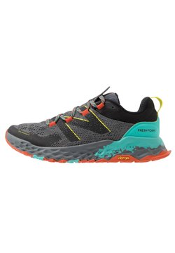 New Balance - FRESH FOAM HIERRO V5 - Zapatillas de trail running - grey