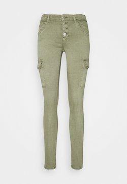 ONLY Tall - ONLMARYA PINARA LIFE PANT - Cargobroek - deep lichen green