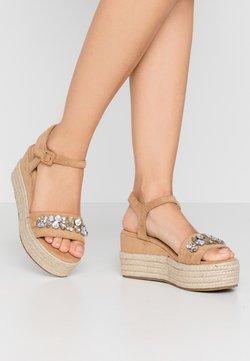 Tata Italia - Sandalen met plateauzool - beige
