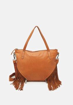 FREDsBRUDER - TIN - Handtasche - dark camel