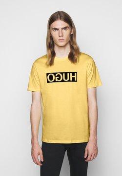 HUGO - DICAGOLINO - Camiseta estampada - light pastel yellow