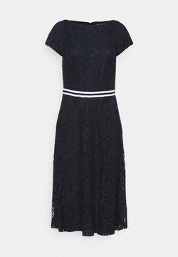 Lauren Ralph Lauren - AMBER SHORT SLEEVE DAY DRESS - Vestido de cóctel - lighthouse navy