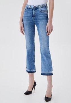 Liu Jo Jeans - CROPPED BELL-BOTTOM - Jeans bootcut - blue denim