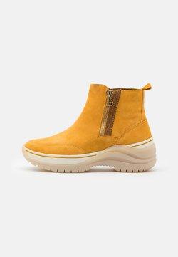 Tamaris Pure Relax - Ankle Boot - saffron