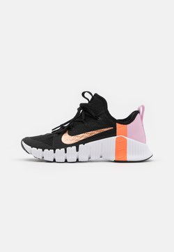 Nike Performance - FREE METCON 3 - Sports shoes - black/metallic copper/light arctic pink/hyper crimson