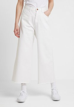 Wrangler - WESTERN CULOTTE - Flared jeans - vintage white
