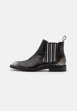 Melvin & Hamilton - SALLY 110 - Ankle Boot - white