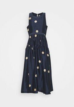 3.1 Phillip Lim - DOT PRINT BELTED MAXI DRESS - Cocktailkleid/festliches Kleid - midnight/beige